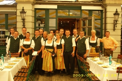 our team royal hirschgarten munich picture 1